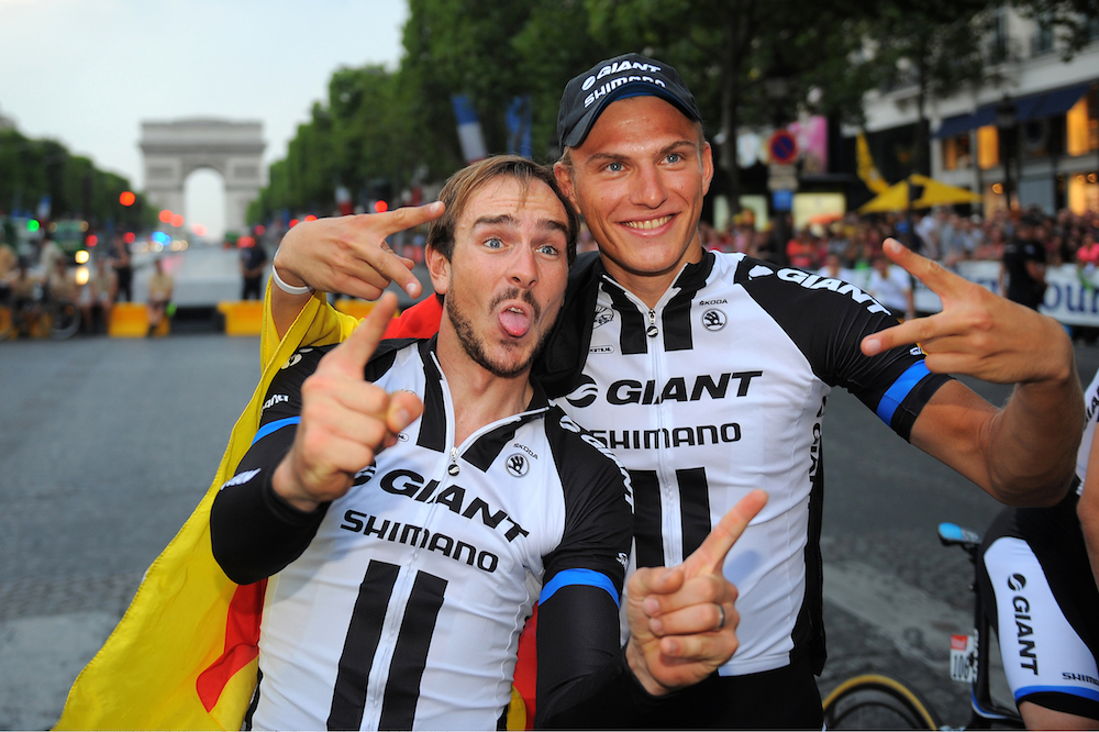 http://sidces.com/fotos/data/media/233/8_John_Degenkolb_and_Marcel_Kittel_were_happy_to_finish_the_Tour_and_even_happier_to_claim_victory_in_a_chaotic_sprint_finish_on_the_final_stage..jpg