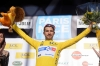 Nacer Bouhanni dons the first yellow jersey. Paris Niza etapa 1 Fotos y Videos.